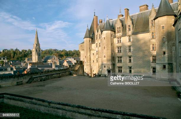 the castle of Langeais Built between 1465 and 1490 this castle shows two different faces the powerful towers overlooking the Loire have the severity...