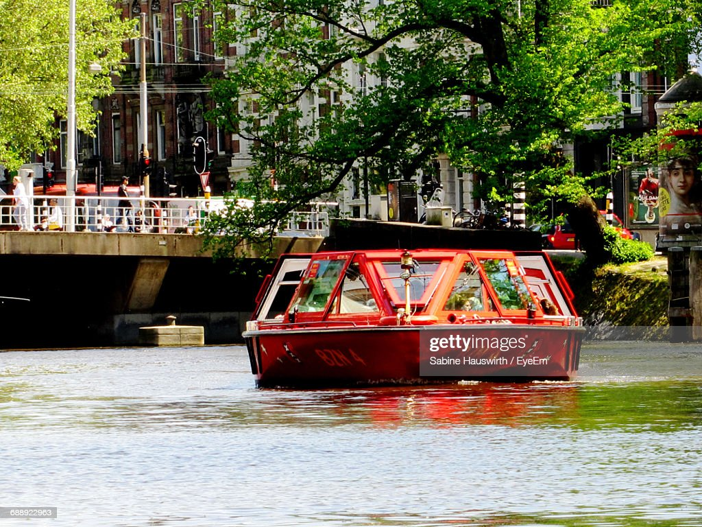 Tourboat On Water : Stock-Foto
