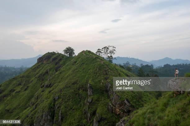 Toeristische op weinig Adam's Peak in Ella, Sri Lanka