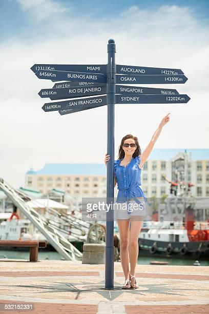 Touristes au V & un port de Cape Town, Afrique du Sud
