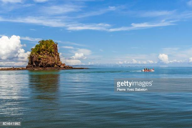 tourist boat - pierre yves babelon stock pictures, royalty-free photos & images