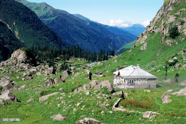tourist bungalow in garhwal himalaya, haridwar, uttar pradesh, india. - uttarakhand stock pictures, royalty-free photos & images