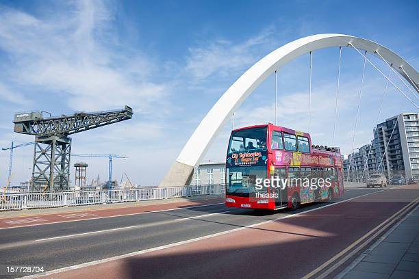 tourist bus crossing the squinty bridge, glasgow - theasis stock pictures, royalty-free photos & images