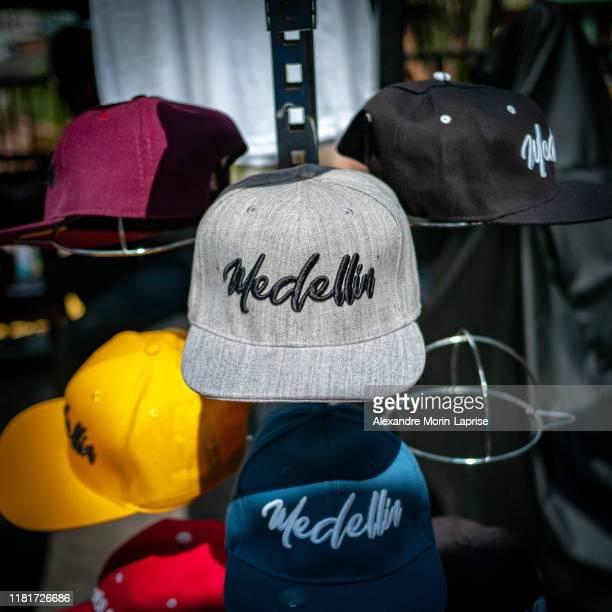 tourist counter caps with the name of medellin city - 野球帽 ストックフォトと画像