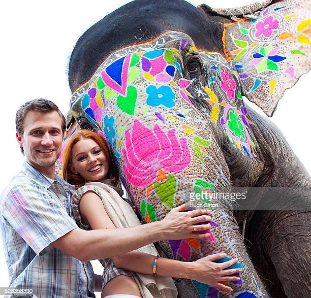 tourist couple on holiday in india - hugh sitton stock-fotos und bilder