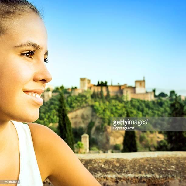 Touristen genießen Sie den Blick auf die Alhambra, Spanien