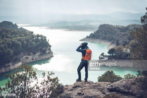 turismo, exploración de la naturaleza en españa - caminito del rey fotografías e imágenes de stock