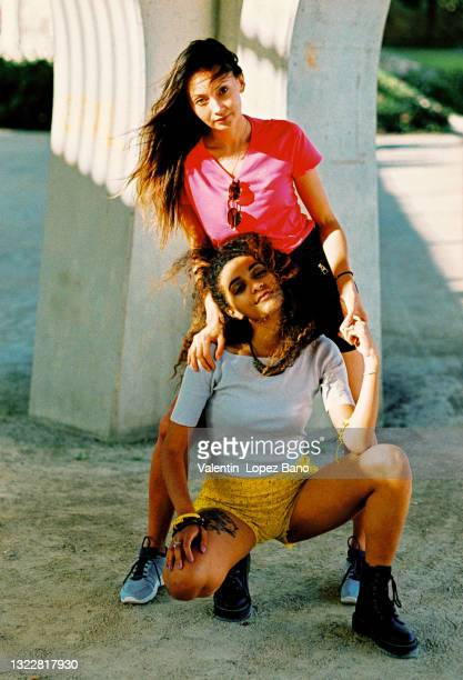 tourist girls - alternative pose stock pictures, royalty-free photos & images