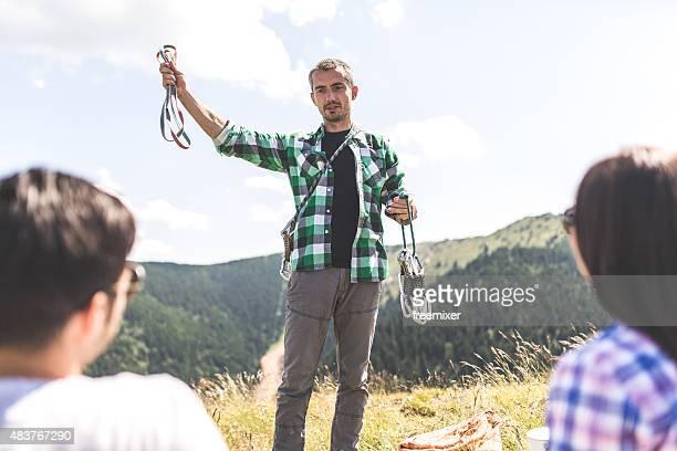 Touristenführer mit Kletterausrüstung