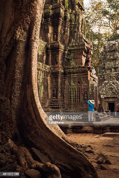 tourist in angkor - old ruin stock pictures, royalty-free photos & images