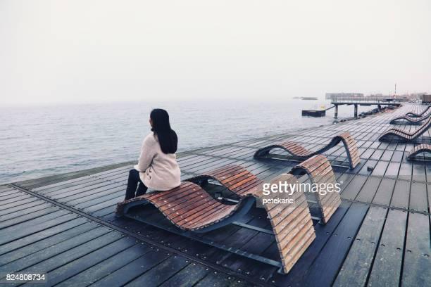 Turist är att titta på landskapet i Helsingborg, Sverige