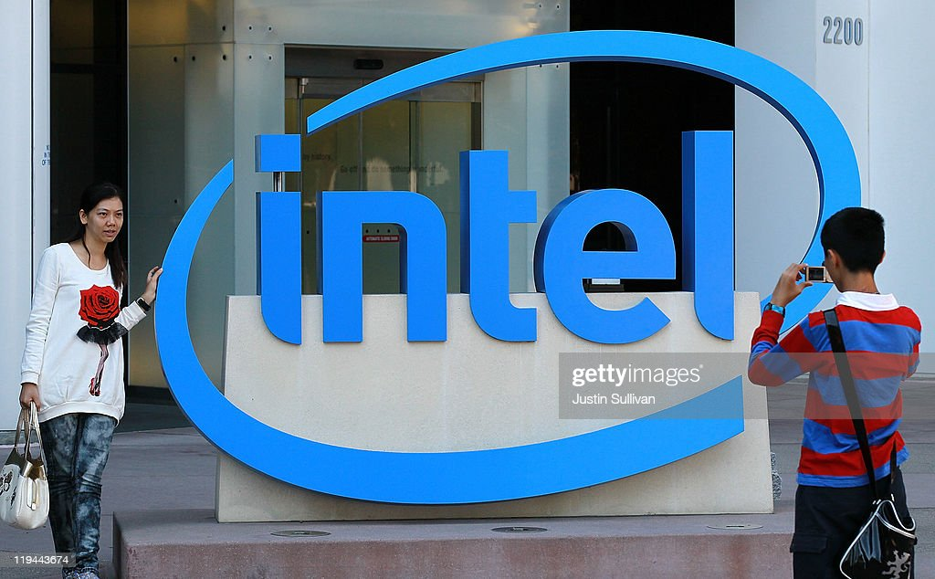 Intel Reports Quarterly Earnings : News Photo