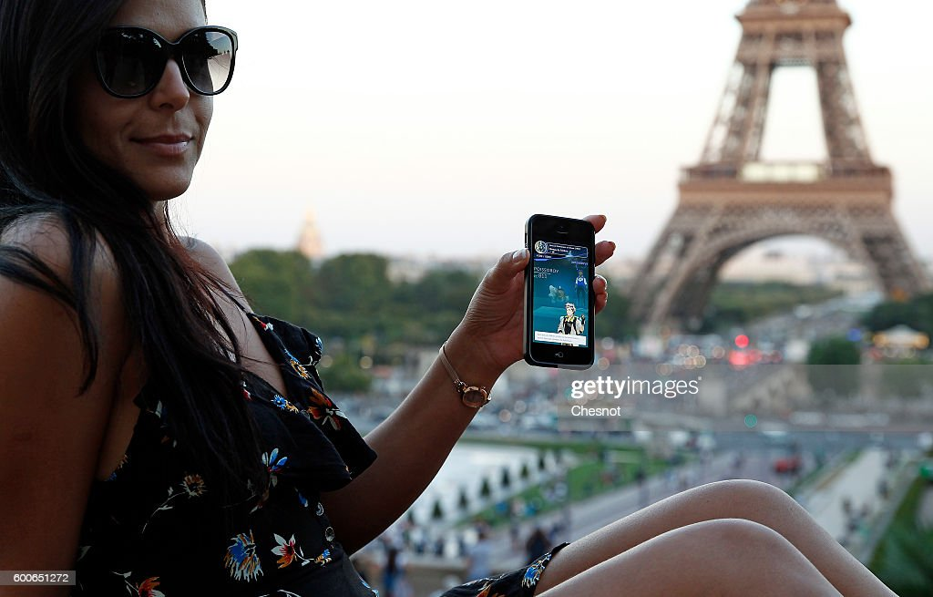 Pokemon Go around Paris : News Photo