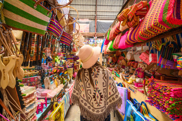 tourist shopping for souvenirs at the hidalgo market in guanajuato picture id1205804031?k=6&m=1205804031&s=612x612&w=0&h=w Mh9OkgnHM1RjPkW1S5XNHXs8lKZYwbSk333MC CGU=