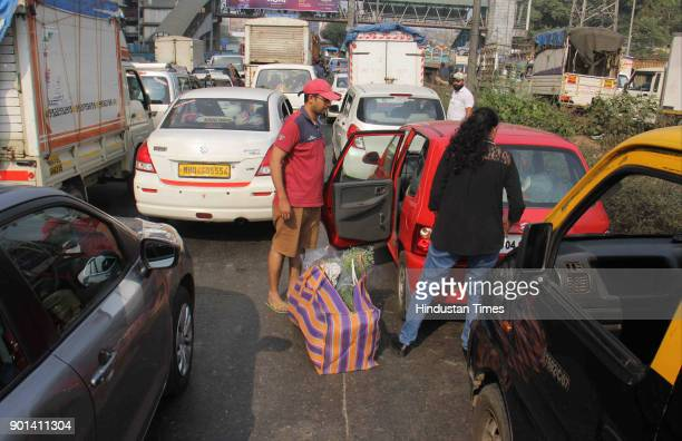 Tourist stuck in Traffic jammed for more than 5 hours due to Rasta Roko by Dalit protesters during Maharashtra Bandh at Western Express Highway they...