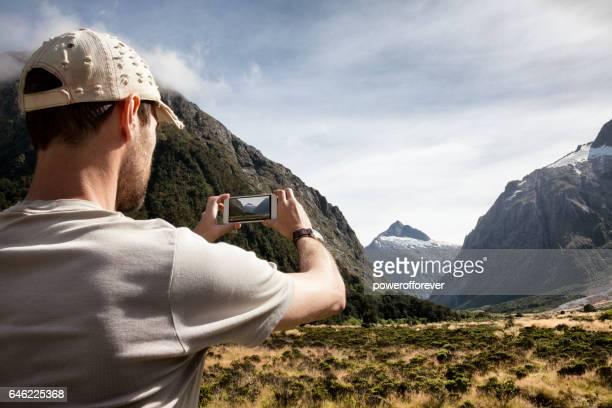 Photo prise touristique au Mont Talbot à Fiordland National Park, Nouvelle-Zélande