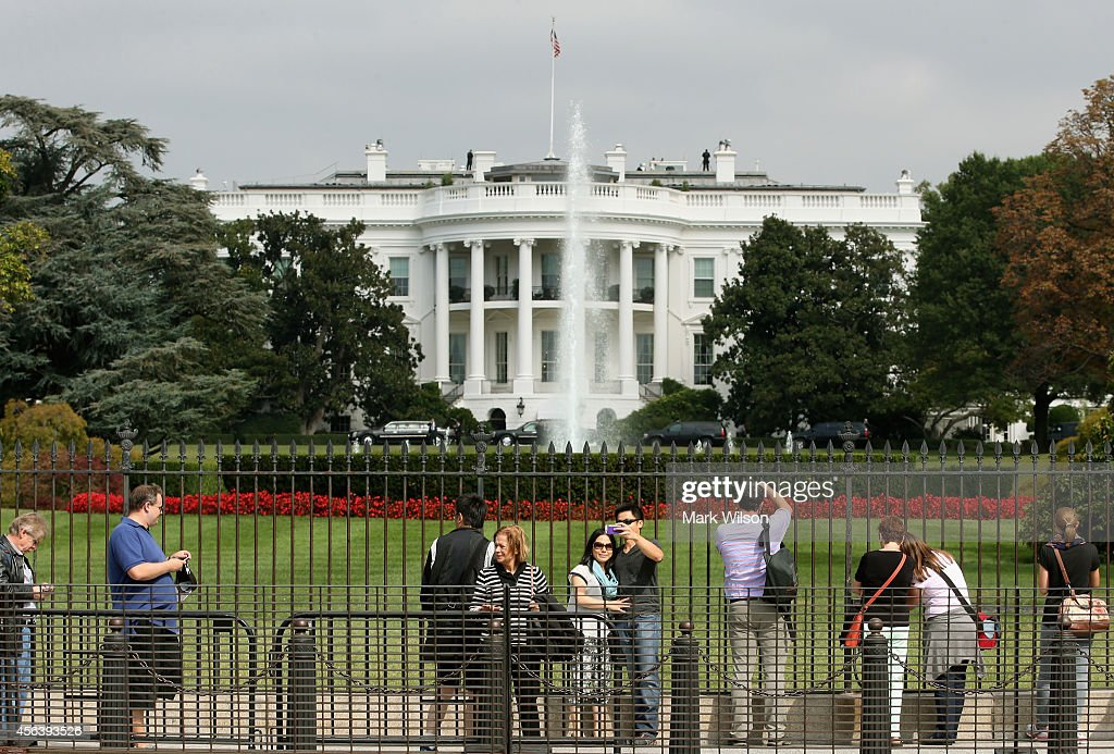 Tourist visit the south side of the White House September 30, 2014 in Washington, DC. White House intruder Omar Gonzalez, the man arrested last week after jumping the White House fence, went deeper into the building than what was previously reported.
