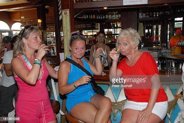 "Touristen in Discothek und Bierlokal ""Bierkönig"", Playa de Palma, Insel Mallorca, Balearen, Spanien, Europa, Reise,"