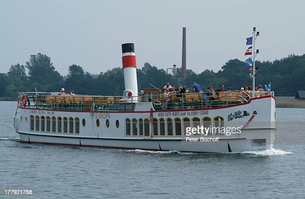 TouristenDampfer Europa SteuerbordSeitenansicht auf Kanal zwischen P l a u e r S e e und F l e e s e n s e e Mecklenburgische Seenplatte...