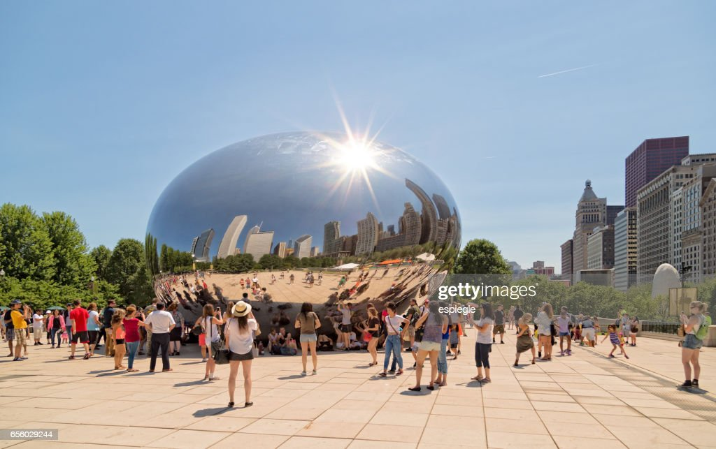 Tourists and Chicago Bean : Stock Photo