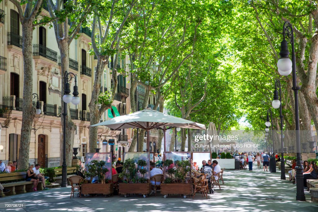 Tourists at boulevard restaurants and bars, Palma de Mallorca, Majorca, Spain : Stock Photo