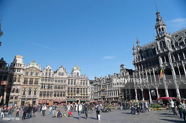 Touristen auf der Grand-Place in Brüssel, Belgien