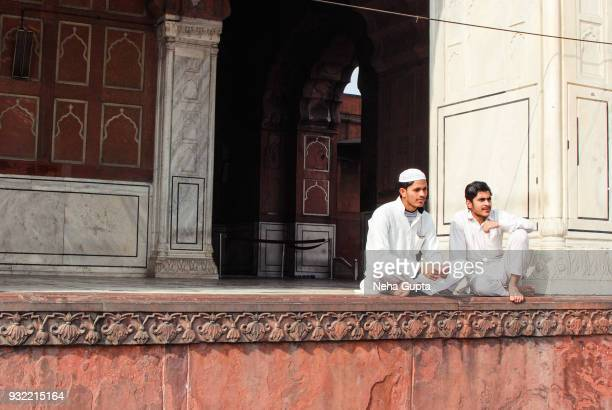 tourists at the jama masjid, new delhi, india - neha gupta stock pictures, royalty-free photos & images
