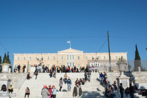 tourists at the parthenon in athens, greece - athens georgia stock pictures, royalty-free photos & images