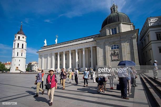 Touristen in Vilnius Kathedrale