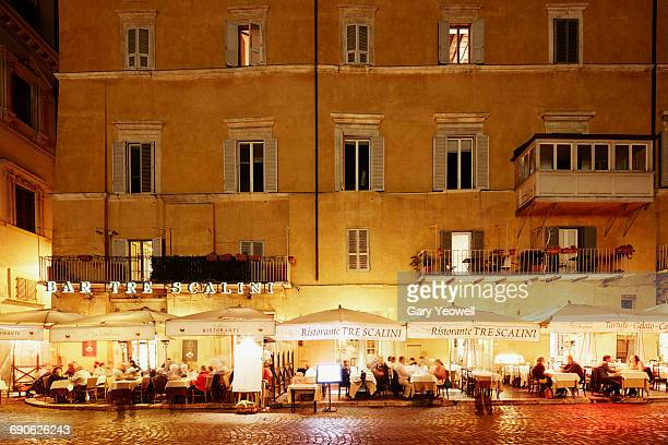 Tourists dining outside in Piazza Navona
