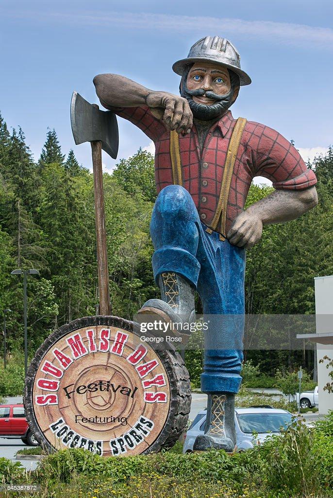 Exploring Whistler British Columbia : News Photo