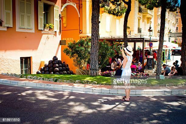 tourists in monaco - モナコ ストックフォトと画像