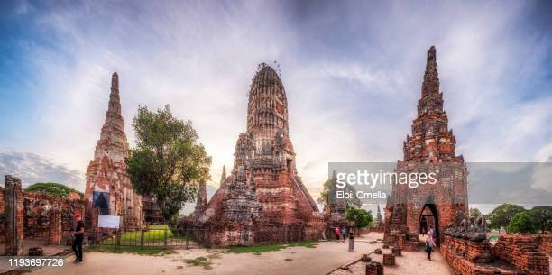 tourists in wat chaiwatthanaram in ayutthaya, thailand - ayuthaya province stock pictures, royalty-free photos & images