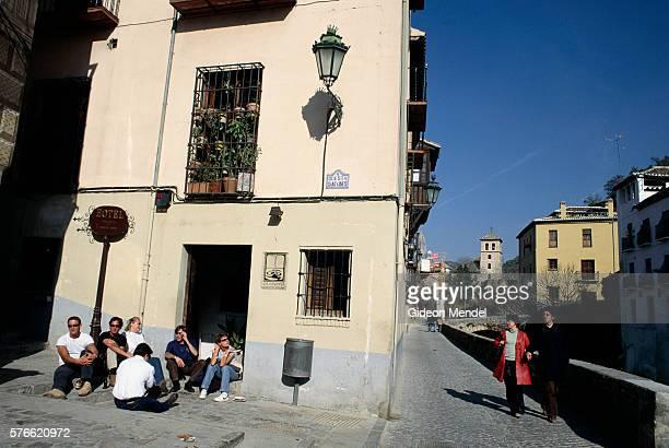 tourists on carrera del darro in granada - utc−10:00 stock pictures, royalty-free photos & images