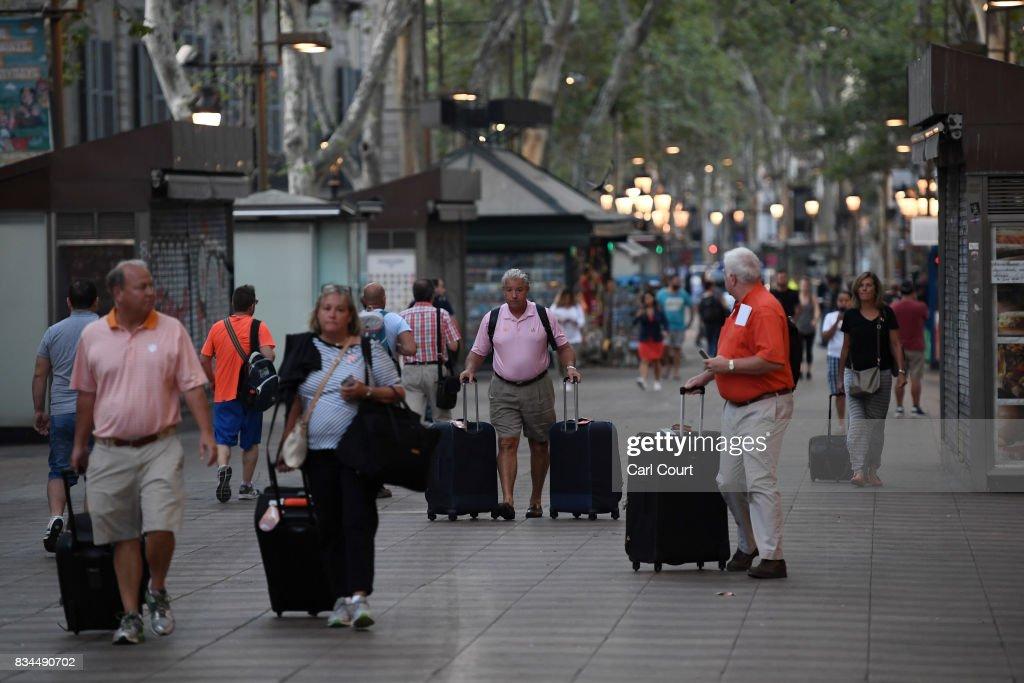 Aftermath Of The Barcelona Terror Attack : Nachrichtenfoto