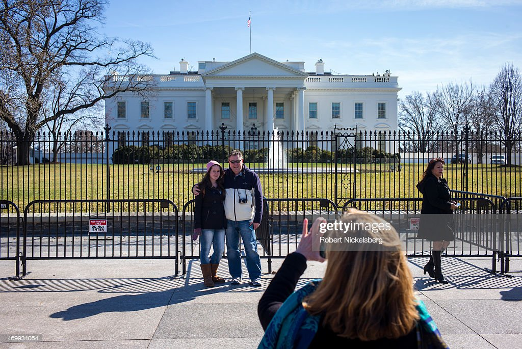 Tourists In Froint Of The White House In Washington, DC : News Photo