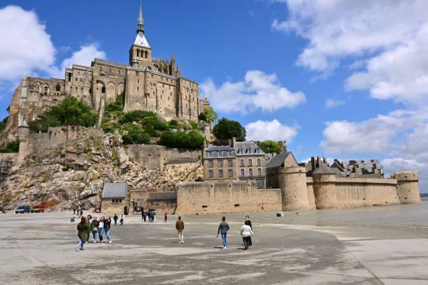 FRA: The Mont-Saint-Michel: Illustration