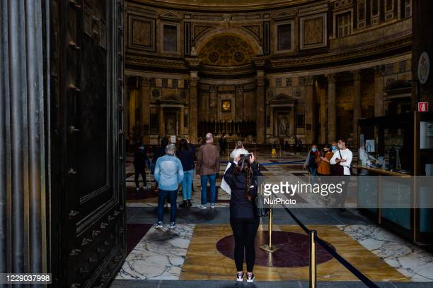 Tourists visit the Pantheon in Piazza Rotonda in Rome on 12 October 2020 The data of the Covid19 positives in Rome grow to 158 in the 24 hours 72...
