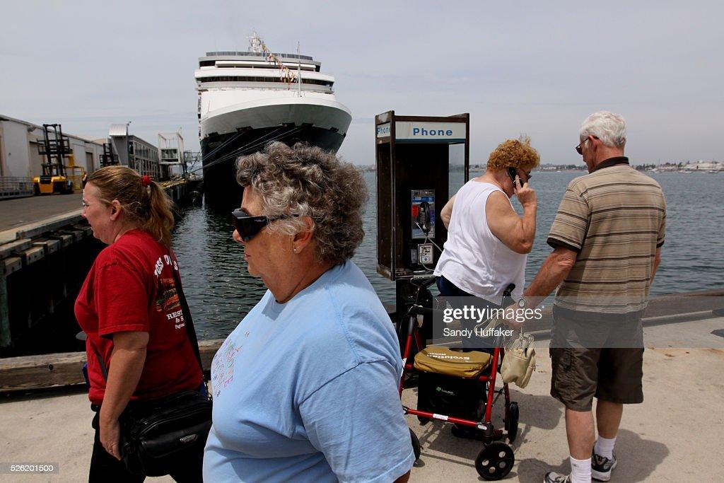 USA Swine Flu Cruise Ships Headed To Mexico Dock In San Diego - Cruise ships in san diego