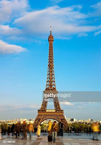 Touristen vor Eiffelturm vom Trocadero, vertikalen Nähten, Paris, Frankreich
