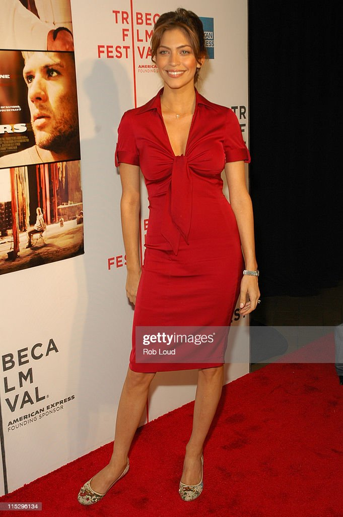 "5th Annual Tribeca Film Festival - ""Five Fingers"" Premiere - Inside Arrivals : News Photo"