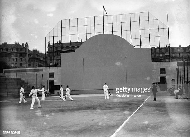 Tournoi de pelote basque circa 1930 a Paris France