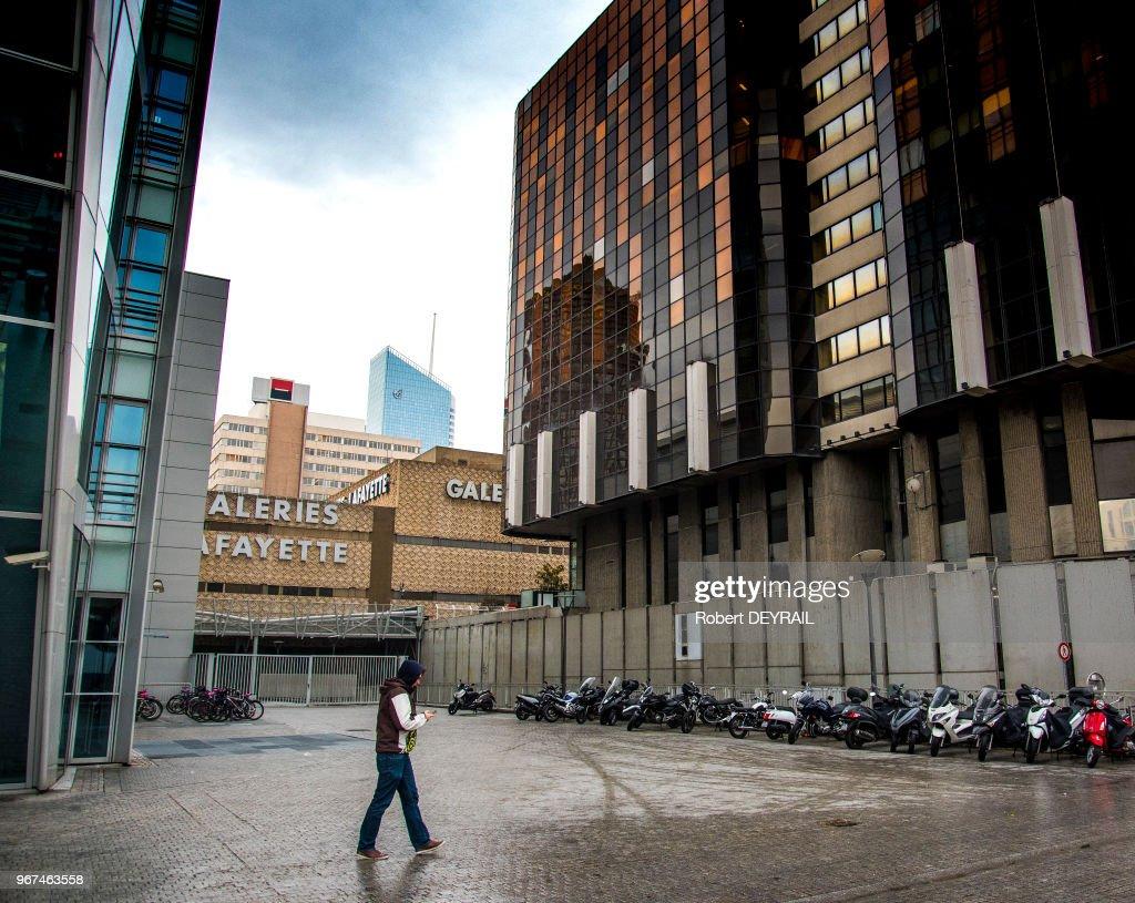 Une tour de bureaux transformée en hôtel étoiles le parisien