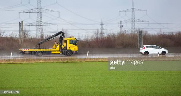 ADAC Abschleppwagen auf der deutschen Autobahn A3