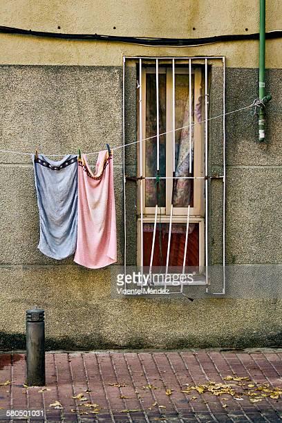 towels lying - vicente méndez fotografías e imágenes de stock