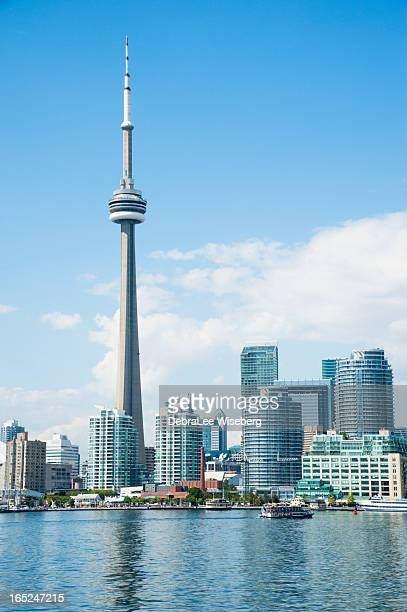 cn tower and skyline - cn tower stock pictures, royalty-free photos & images