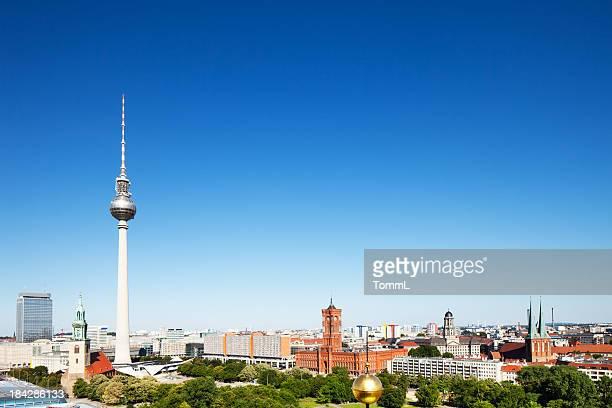 Fernsehturm und Town Hall, Berlin