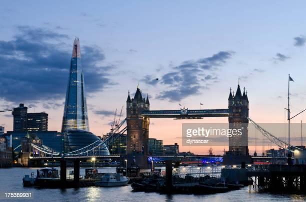 Tower Bridge und dem Shard Wolkenkratzer, London
