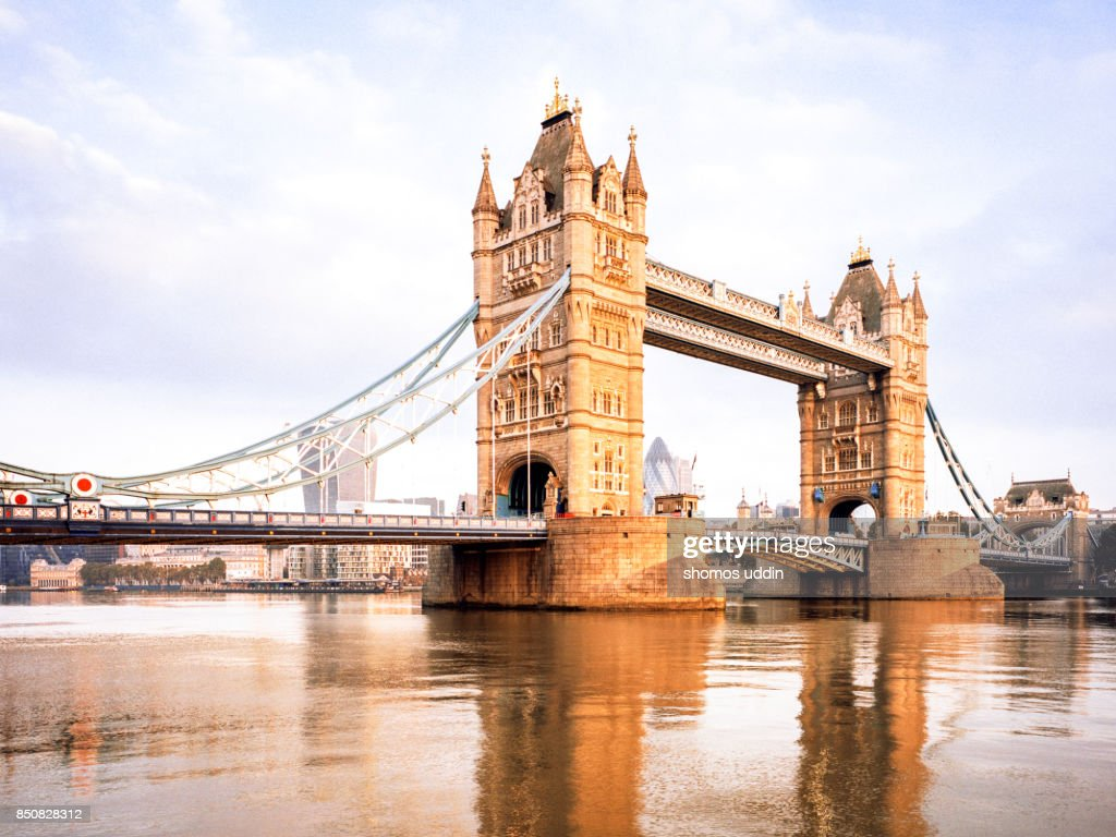Tower Bridge and the Thames at sunrise : Stock Photo