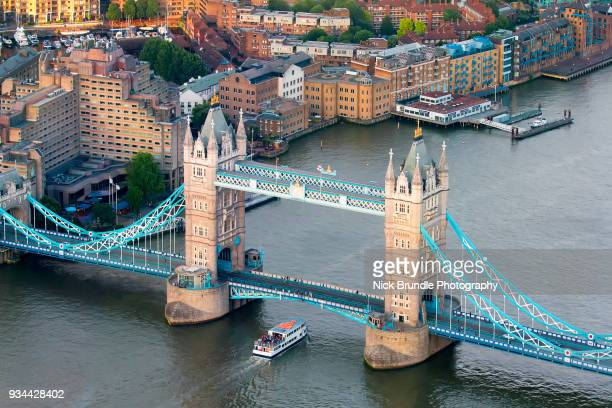 tower bridge, london, united kingdom - thames river stock pictures, royalty-free photos & images